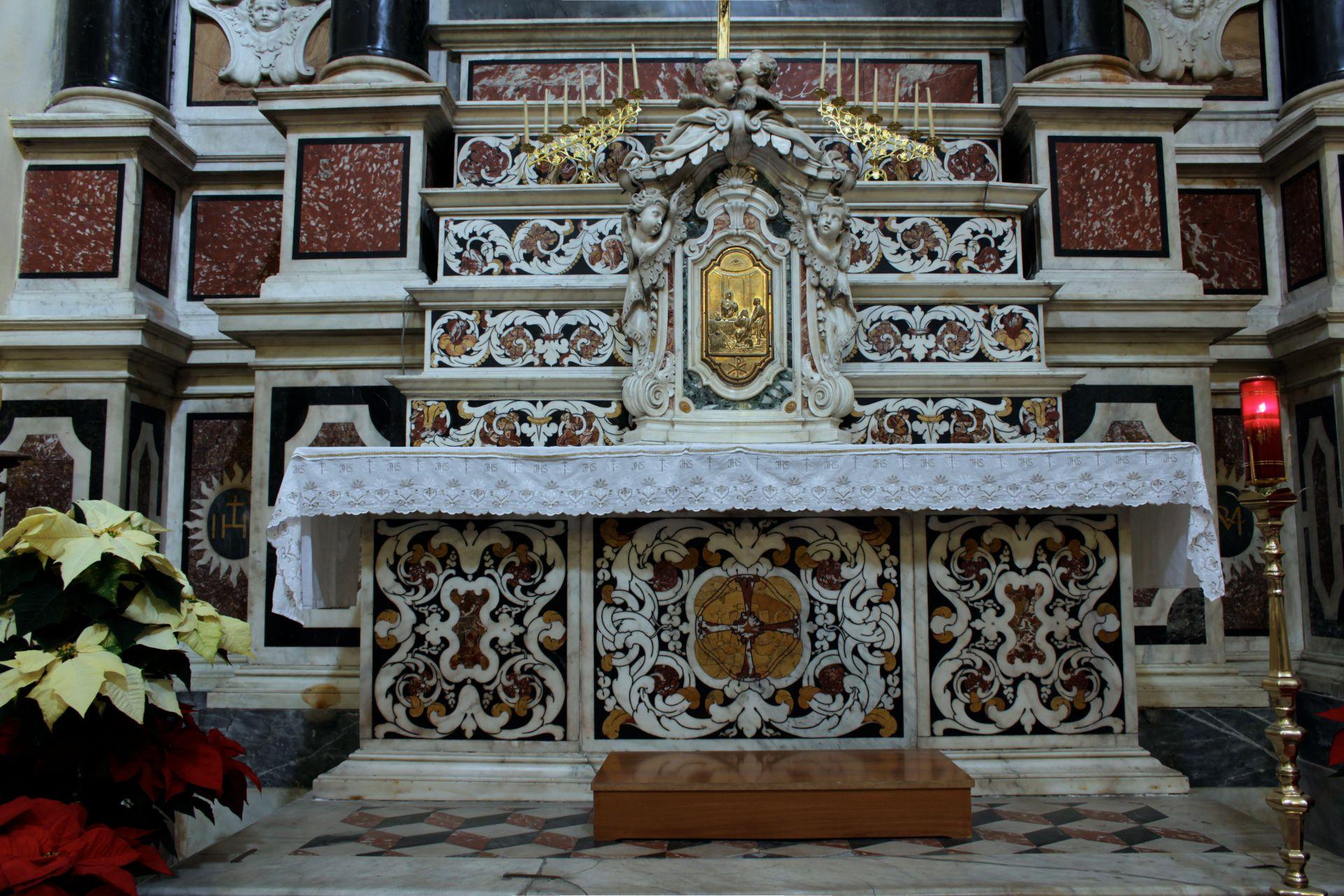 Altare marmoreo della chiesa di san Michele a Cagliari